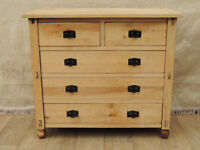 Vintage rustic chest of drawers Great quality (Delivery)