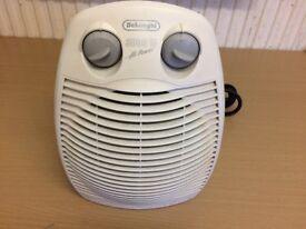 Delonghi Electric Fan Heater, 3000 Watts Fully Working Condition.