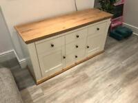 Chest of drawers/cabinet/sideboard
