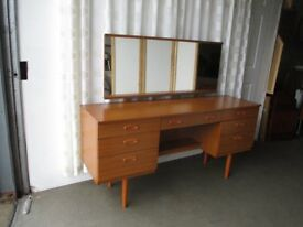 VINTAGE SCHREIBER TEAK EFFECT SEVEN DRAWER KNEEHOLE DRESSING TABLE WITH MIRROR FREE DELIVERY
