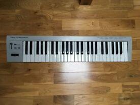 MIDI Keyboard - Roland PC180
