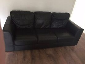 3 Seater Leather Sofa/ Black/ in a great conditions