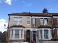Room available to Rent in Abbeywood ( Near Plumstead High Str ) within spacious 3 bedroom Victorian
