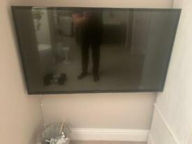 """Panasonic 40"""" slim tv. Remove and power cable included. Not smart! All working fine."""