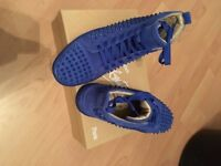 Mens Christian Louboutin SIZE 10 (FACTORY SECOND)
