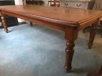 Antique medium oak dining table