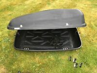 Halfords roof box- 400l- good condition
