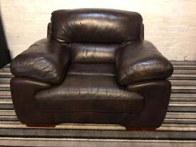 Gorgeous brand new SOFAOLOGY leather arm chair
