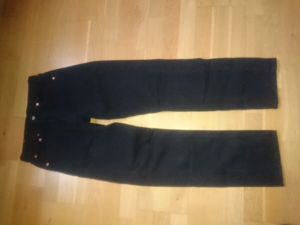 Genuine Levi 501 jeans. size 32W x 32L Black