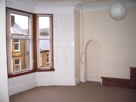 Extremely spacious 2 bedroom flat for rent in residential area near Dunoon town centre.