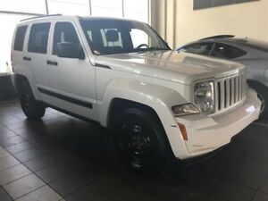 2012 Jeep Liberty Sport | All Wheel Drive | MP3 Decoder