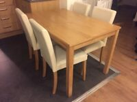 Nice dining table with 4 chairs