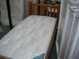 SOLID WOOD HEAVY SINGLE BED FRAME C/W MATTRESS