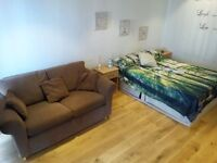 Luxury flat with Own Balcony ! 2 rooms available ! Own balcony ! Jubilee line 5 min away