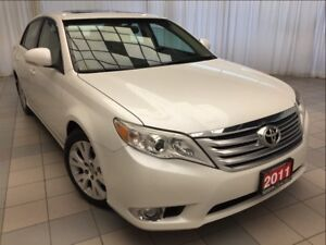 2011 Toyota Avalon XLS *Navigation and Leather*