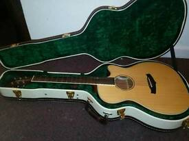 Tanglewood electric acoustic guitar TPR SFCE ZS excellent condition with hard case
