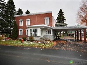 215 000$ - Maison 2 étages à vendre à Lac-Mégantic