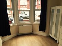 STUNNING 2 bed flat- recently refurbished-ikea furniture-perfect for family or coupe-DSS ACCEPETED