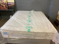SIMPLY BENSONS RAFFERTY PILLOWTOP KING SIZE MATTRESS IN EXCELLENT CONDITION EX DISPLAY FREE DELIVERY
