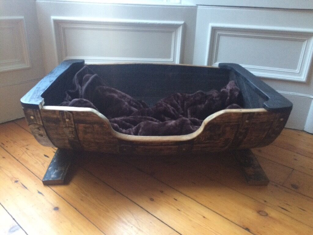 Large whisky barrel dog bed in meadows edinburgh gumtree for Crate and barrel dog bed