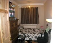 Small Room near Romford Station, Town Centre