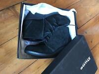 Boots Dune size 5