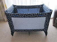 Graco travel cot / playpen / bassinet / crib in excellent condition!