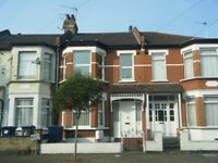 3 bed terraced house to rent in North Finchley Derby Avenue N12
