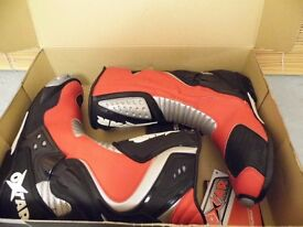MOTORCYCLE BOOTS, OXSTAR TCS SPEED, RED, SIZE 9.