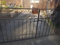 ** reduced ** WROUGHT IRON GARDEN GATES - 3FT HIGH ** BLACK ** CLACTON ON SEA - CO15 6AJ