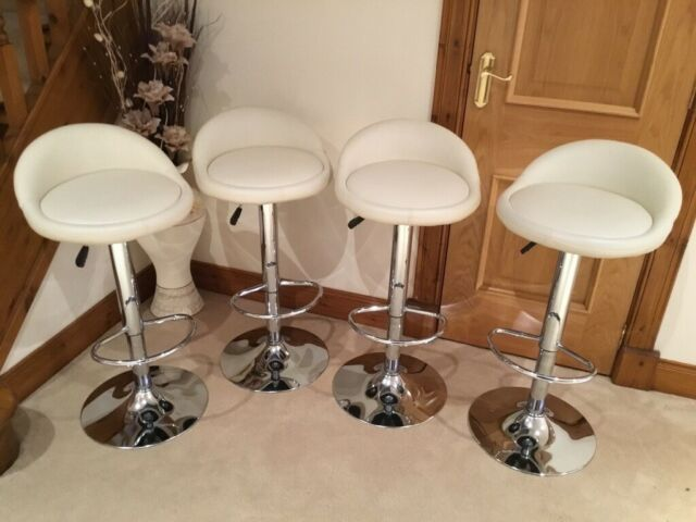 Peachy Breakfast Bar Stools X 4 Great Condition In Muir Of Ord Highland Gumtree Short Links Chair Design For Home Short Linksinfo