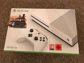 500GB Xbox One with 7 Games & Rechargeable Battery Pack