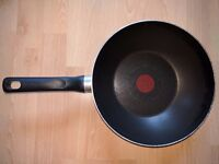 Tefal Just Black Stir Fry Pan / Wok