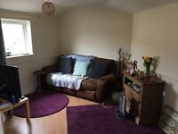 ONE DOUBLE BEDROOM FLAT IN SUNNY TOTTERDOWN £725 PCM