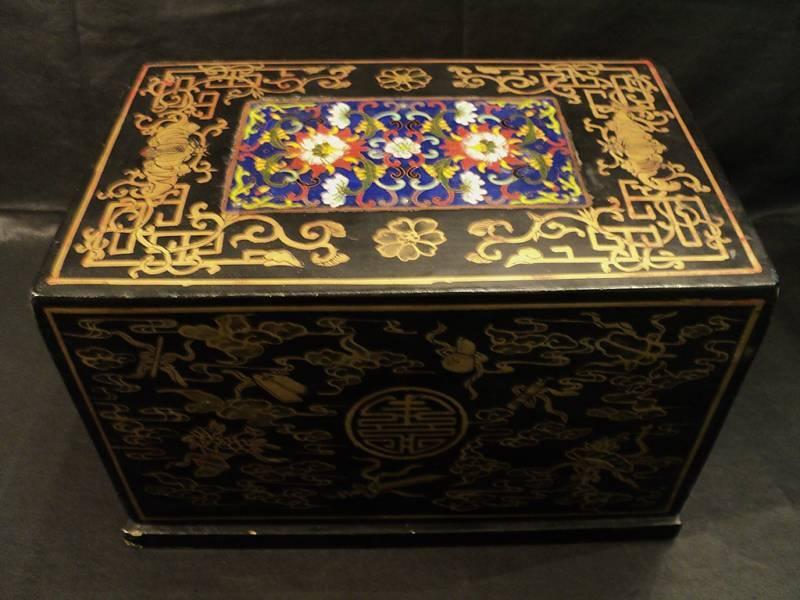 ANTIQUE ORIENTAL GILT LACQUERED WOOD BOX w/ CLOISONNE