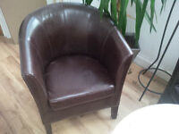 Leather tub chairs and sofas