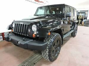 2011 Jeep WRANGLER UNLIMITED UNLIMITED SAHARA, TOIT , ENSEMBLE R