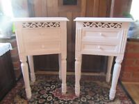 NEWLY PAINTED WHITE FRENCH STYLE SHABBY CHIC SIDE TABLES, END TABLES, BEDSIDE TABLES