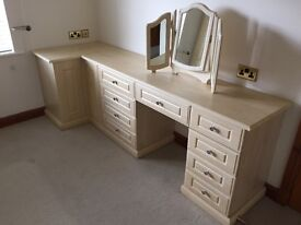 Dresser table for sale