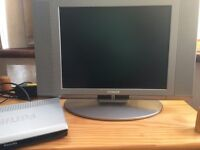 Hitachi TV and Philips Freeview Box Excellent working order
