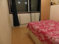 NICE SINGLE BEDROOM IN LANGDON PARK (CANARY WHARF) WITH BILLS & WIFI INCLUDED