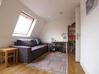 A modern top floor 1 double bedroom flat moments from Finbury Park tube and Crouch Hill overground