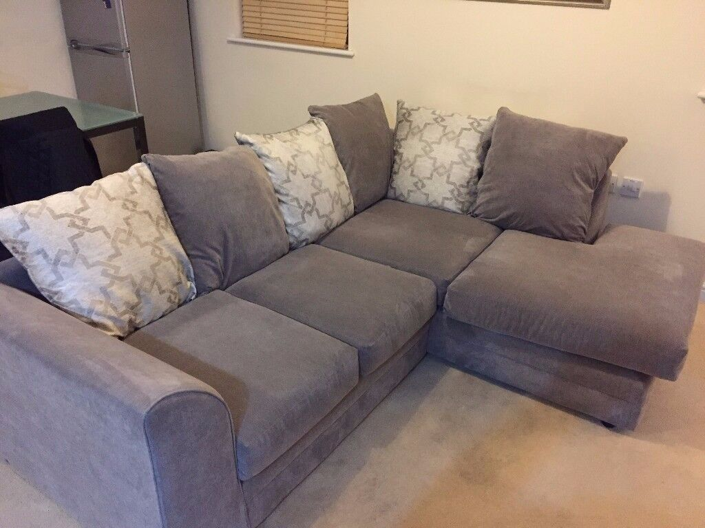 Grey corner Sofa, only 5 months old looking for new home.