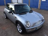MINI COOPER 1.6 / PAN ROOF / LOW MILEAGE / FULL SERVICE HISTORY / 1 YEAR MOT / 2002 / BARGAIN