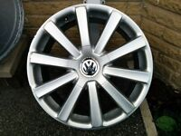 "Genuine VW Omanyt R32 18"" Alloy Wheels. ACCEPTING OFFERS"