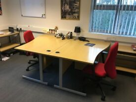 Job lot of 7 x Office desks in great condition. £50 each = £350