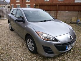 MAZDA 3 - Very good - Excellent - Professional Parking Sensors - LOW Mileage