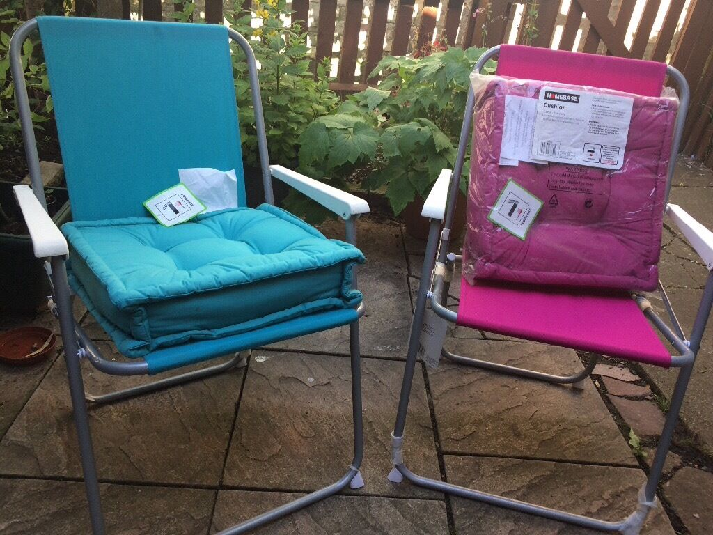 2 homebase folding picnic chairs in raspberry with. Black Bedroom Furniture Sets. Home Design Ideas