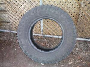 1 Goodyear Wrangler Duratrac Winter Tire * LT275 70R18 125/122Q * $40.00 .  M+S /  Winter Tire ( used tire )