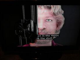 "Samsung 32"" Television TV LE32C450E1W Cracked Screen"